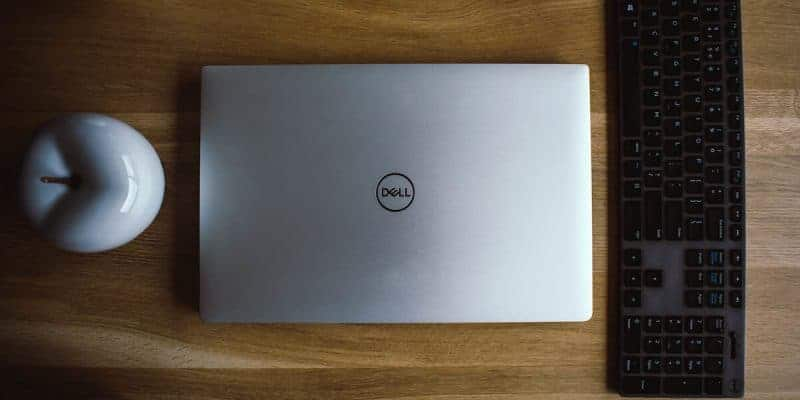 como saber el modelo de mi laptop dell