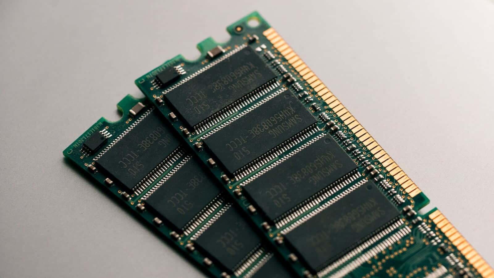 partes de la tarjeta madre - memoria RAM